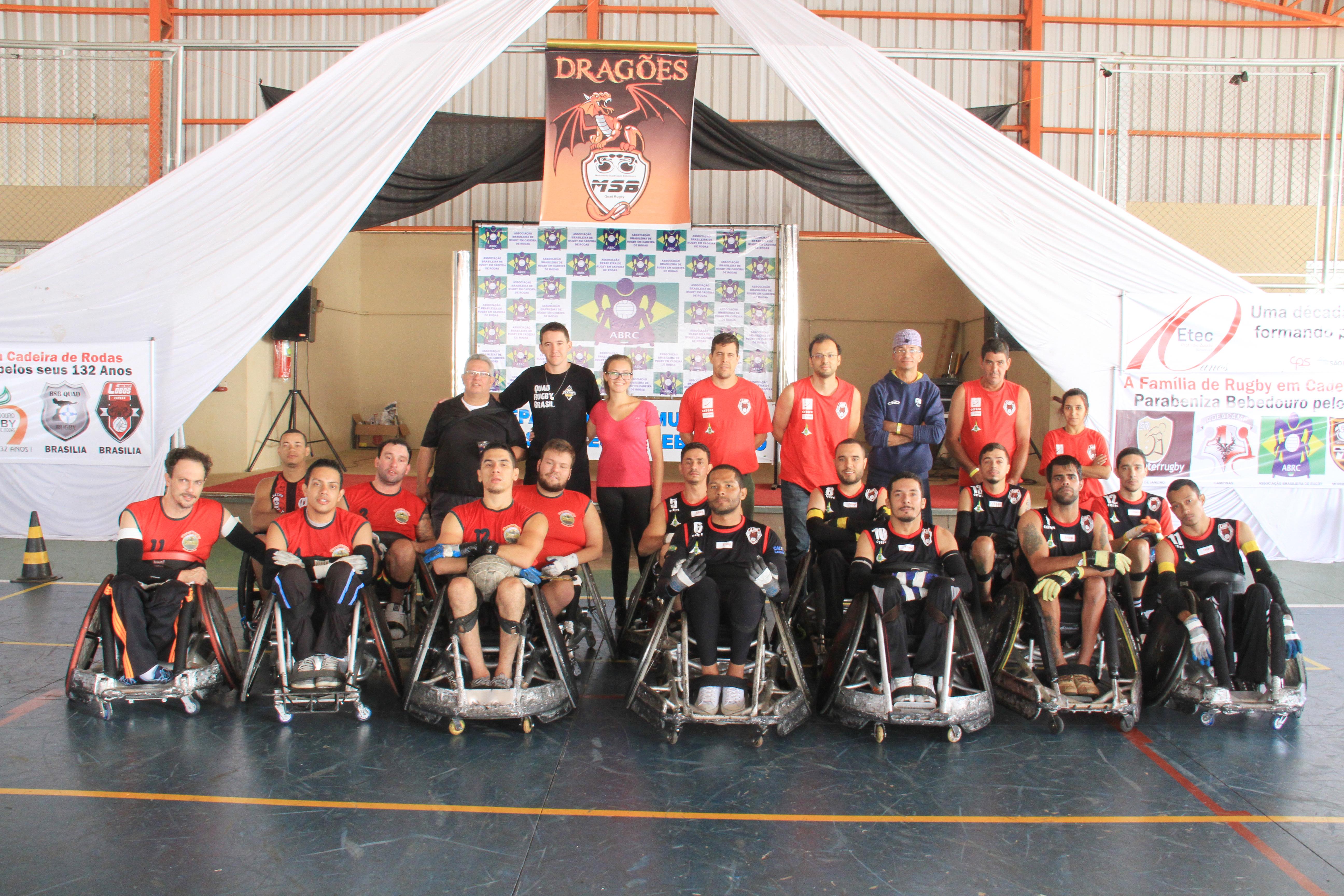 Equipe Titans Colombo Quadr Rugby e Cetefe Lobos Vermelhos, de Brasília, campeã da II Copa Bebedouro